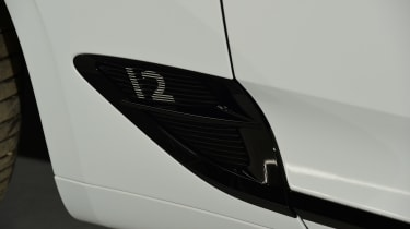 Bentley Continental GTC - studio side detail