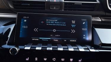 Peugeot 508 Fastback - infotainment