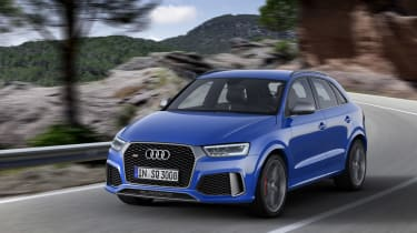 Audi RS Q3 Performance front tracking