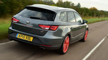 SEAT Leon ST Cupra 280 rear tracking