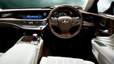 Lexus LS review - interior
