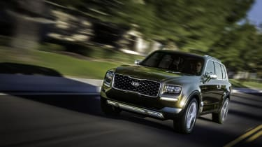 Kia Telluride - front tracking press