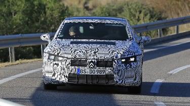 VW Arteon 2017 spy shot 6