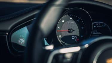 Porsche Panamera 4S diesel - instruments