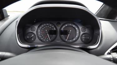 Aston Martin Vanquish S Volante - dashboard