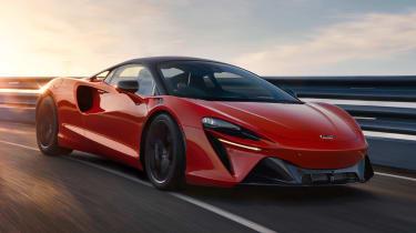 McLaren Artura - front action