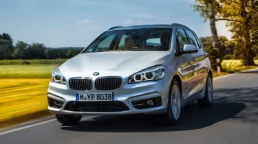BMW 225xe - front action