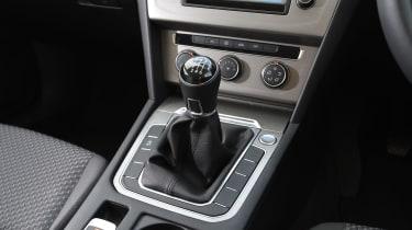 Volkswagen Passat BlueMotion 2016 - gearlever