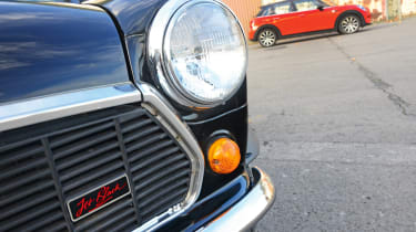 MINI Jet Black - headlight