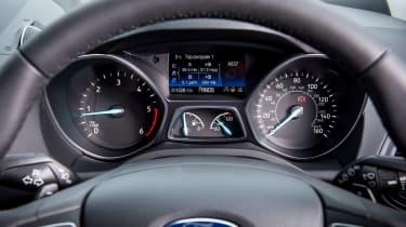 Ford Kuga 2017 - instruments