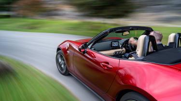 Mazda MX-5 1.5 - driving