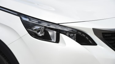 Peugeot 5008 long-term test - headlight