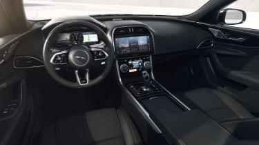 Jaguar XE R-Dynamic Black - dash