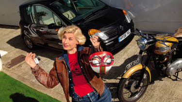 This autumn's mild weather has made the Modus vs motorcycle decision easy: The dry, warm days mean Sarah goes straight for her crash helmet.