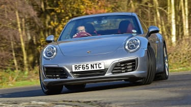 Porsche 911 Carrera S - cornering