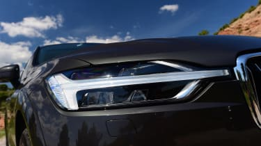 New Volvo XC60 - front light