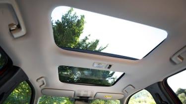 Mitsubishi Eclipse Cross - panoramic roof