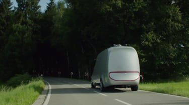 Mercedes Vision Van - video rear tracking 2
