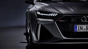 Audi RS 6 Avant - front light