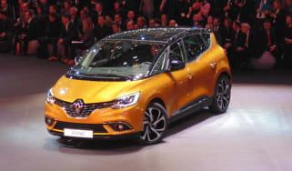 Renault Scenic Geneva - front three quarter