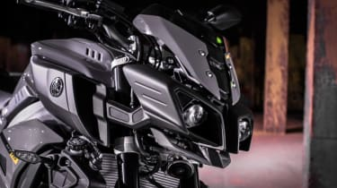 Yamaha MT-10 review - front close up