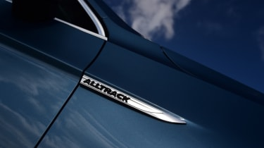Volkswagen Passat Alltrack - side badge