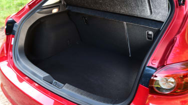 Mazda 3 2016 - boot