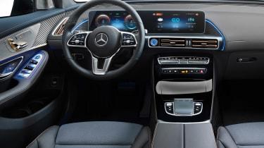Mercedes EQC - dash