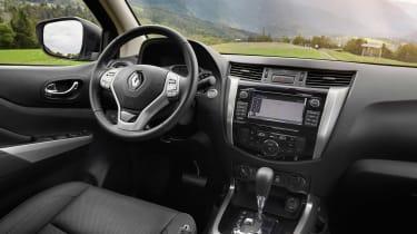 Renault Alaskan - dash