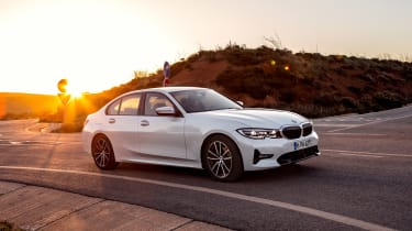 BMW 330e - front action