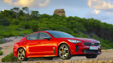 Kia Stinger - front/side static
