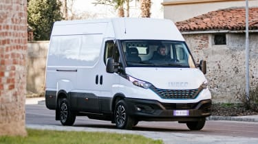 IVECO Daily - front tracking - white