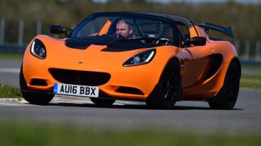 Lotus Elise Cup 250 - front cornering