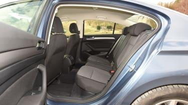 Volkswagen Passat BlueMotion 2016 - rear seats