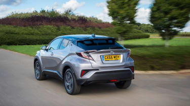 Toyota C-HR - rear tracking