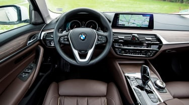 BMW 530e iPerformance - dash