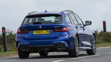 BMW 320d xDrive Touring - rear cornering