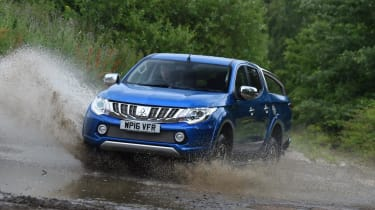 Mitsubishi L200 - off-road