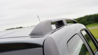Triple test - Logan MCV Stepway - roof rail