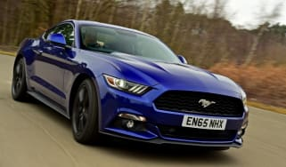 Ford Mustang 2.3 EcoBoost 2016 - front cornering 2
