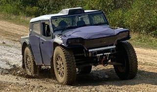 Fering Pioneer 4x4 - front