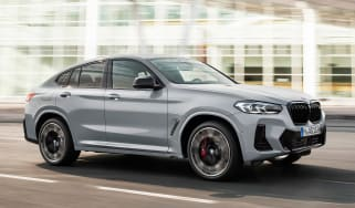 BMW X4 - front tracking