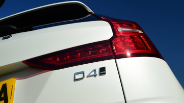 Volvo V60 Cross Country - D4 badge
