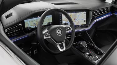 Volkswagen Touareg - cabin