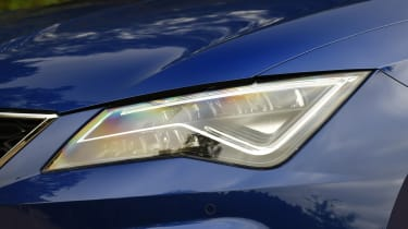 SEAT Leon - headlight