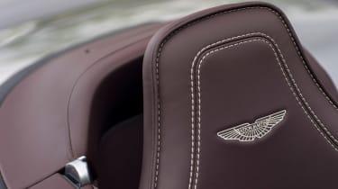Aston Martin Vantage GT12 Roadster - headrest