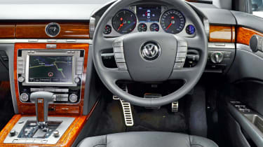 Used Volkswagen Phaeton interior
