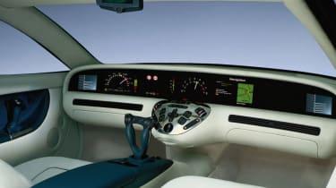 Mercedes F200 - interior