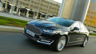 Ford Mondeo Vignale 2016 - front tracking 2