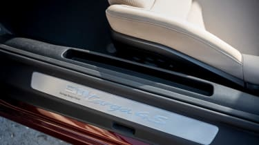 Porsche 911 Targa 4S Heritage Design Edition - sill